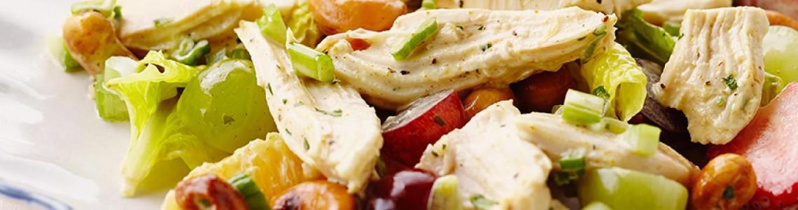سالاد مرغ یونانی با نان پیتا