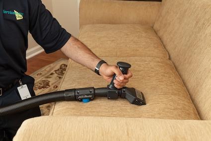 تمیز کردن انواع مختلف مبلمان با دستگاه در منزل خانه