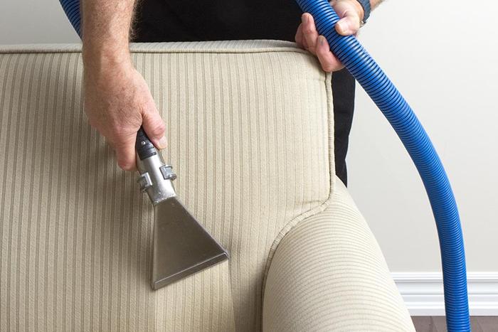 تمیز کردن و شستن انواع مختلف مبل راحتی و ال رنگ روشن در خانه و منزل