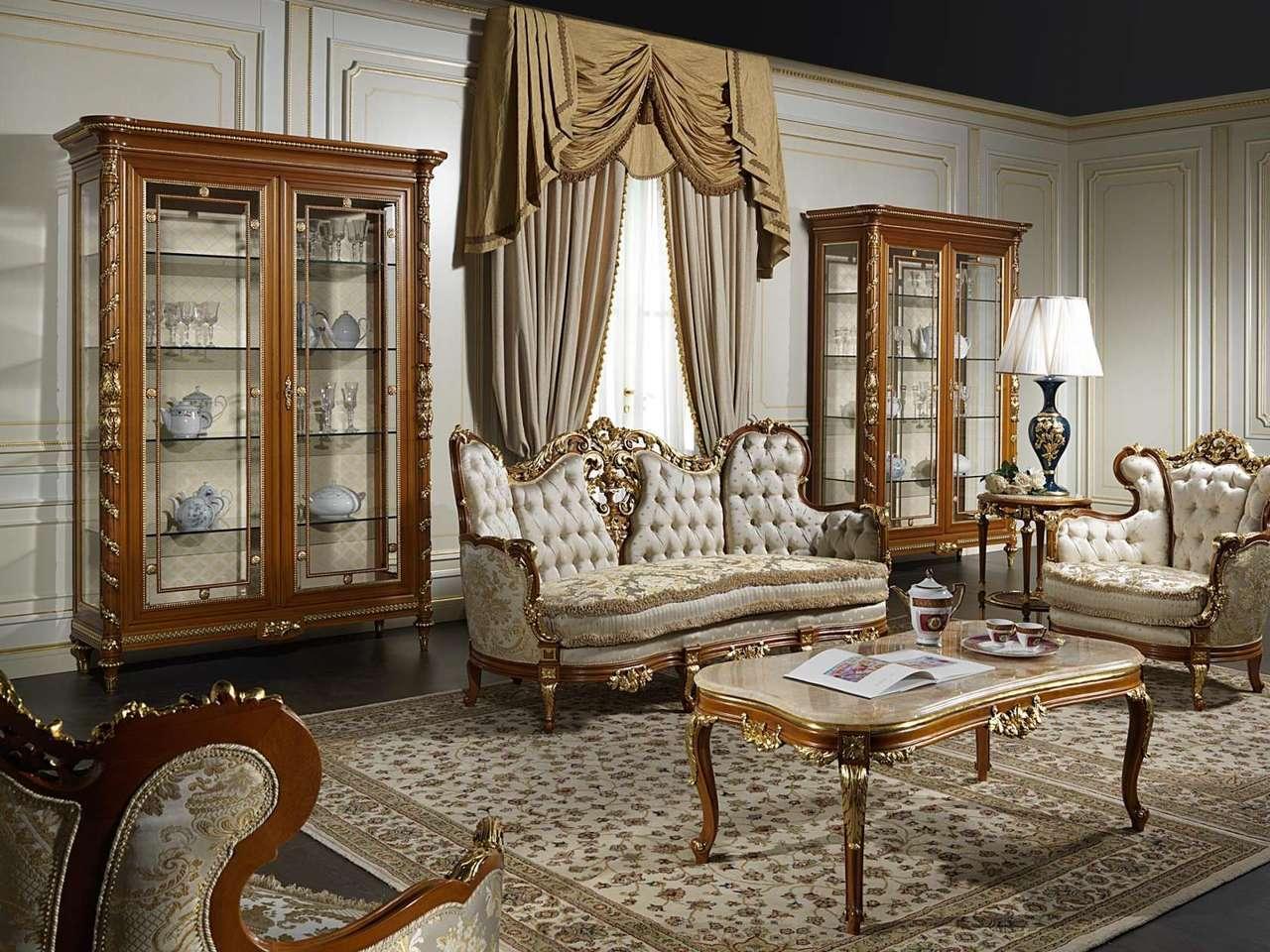 مبلمان سلطنتی با پرده های ست طلایی کرم بوفه و ویترین سلطنتی چوبی