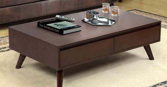 تمیز کردن وسایل چوبی میز جلو مبلی چوبی قهوه ای مدرن