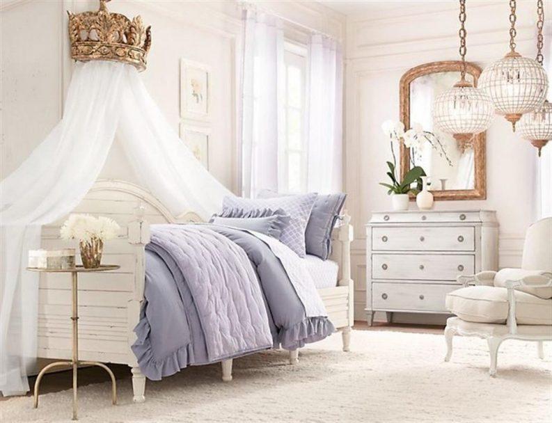 طراحی دیوار بالای تخت خواب