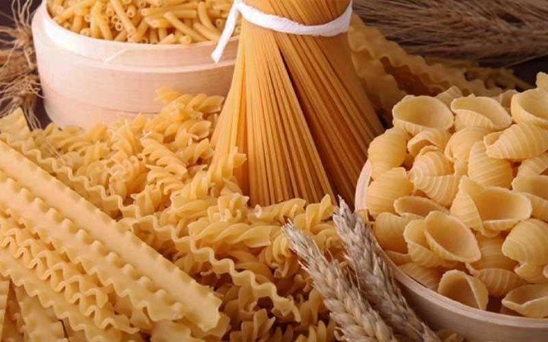 مواد لازم برای تهیه سالاد ماکارونی با مرغ