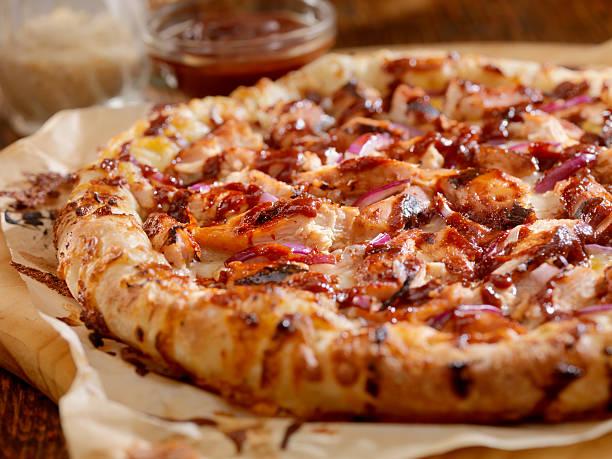 مواد لازم برای تهیه پیتزا مرغ باربکیو