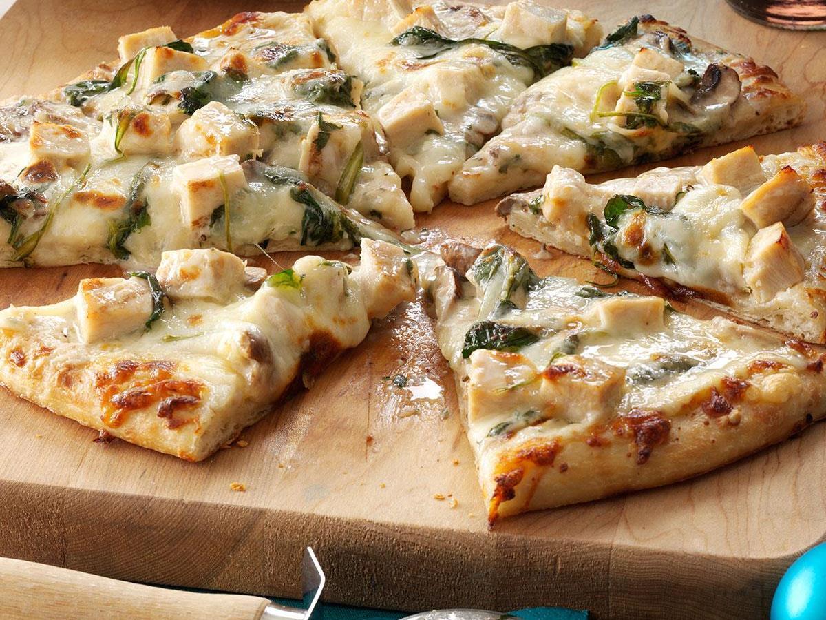 پیتزا آلفردو با پنیر پارمسان