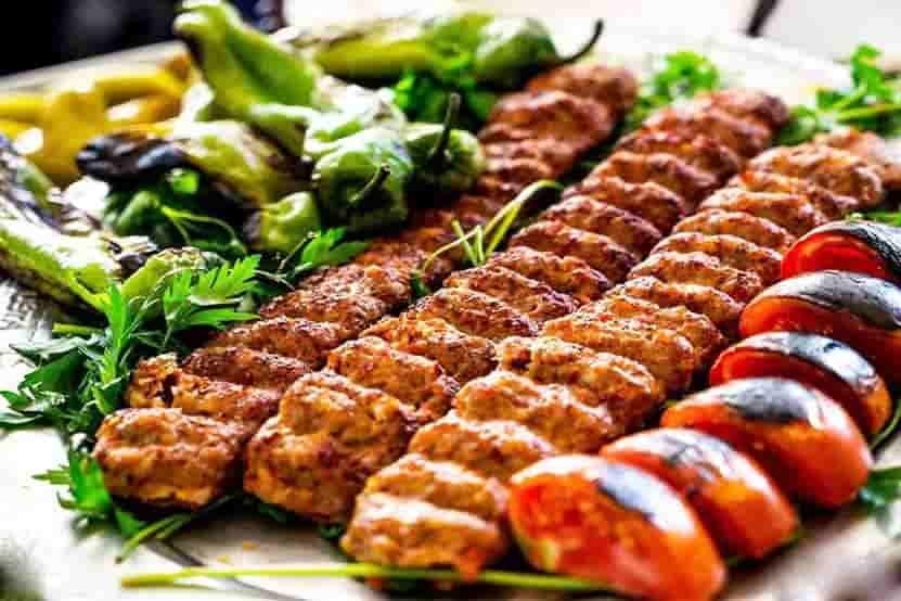 طرز تهیه کباب کوبیده و آماده کردن گوشت کبابی