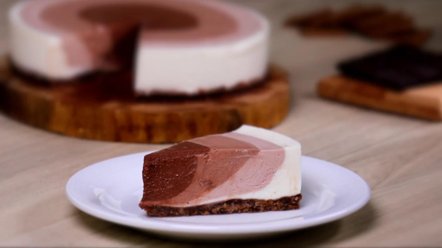 طرز تهیه چیز کیک یخچالی