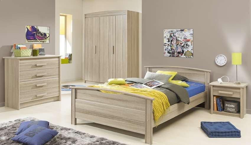 دکوراسیون اتاق خواب کودک با تم آبی و زرد