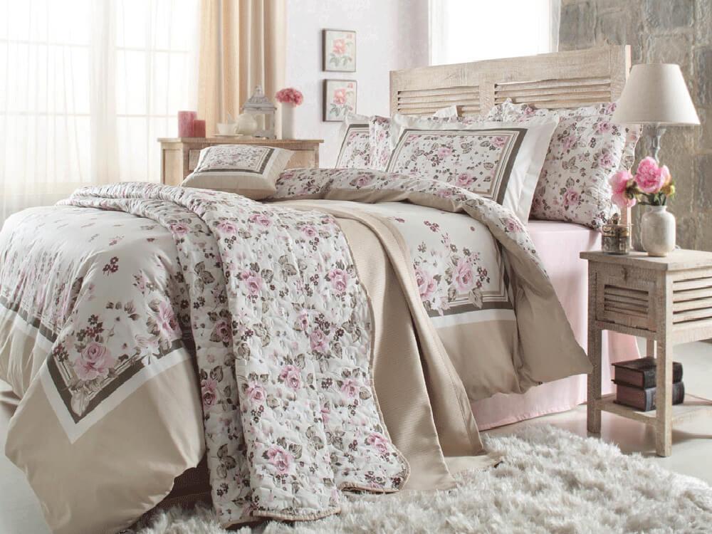 دکوراسیون اتاق خواب با ملحفه های گل گلی