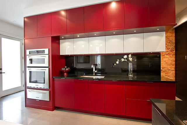 دکوراسیون آشپزخانه با رنگ زرشکی