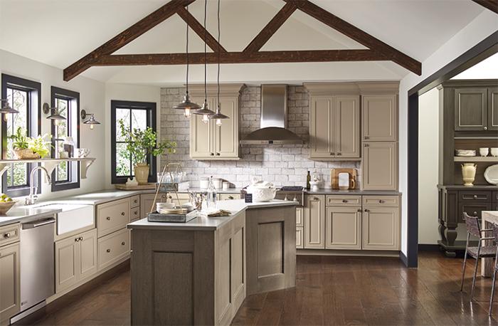 دکوراسیون آشپزخانه با کابینت چوبی