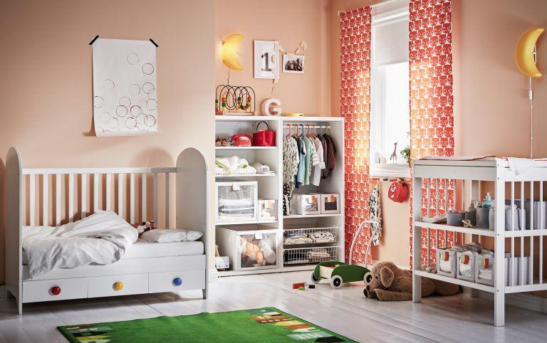 دکوراسیون اتاق کودک با کمد لباس زیبا