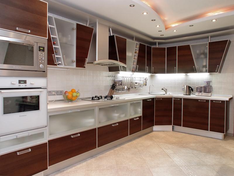 کابینت آشپزخانه چوبی و شیشه ای مات